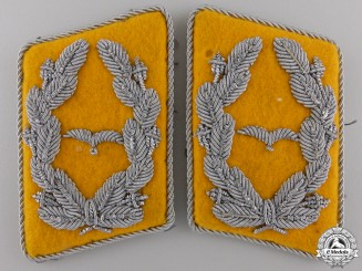 A Luftwaffe Flight Major's Collar Tabs