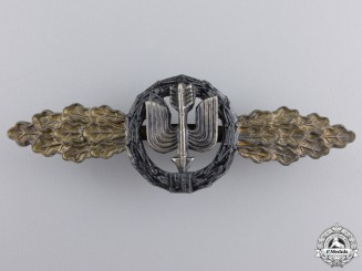 A Long Range Night Fighter Clasp; Gold Grade
