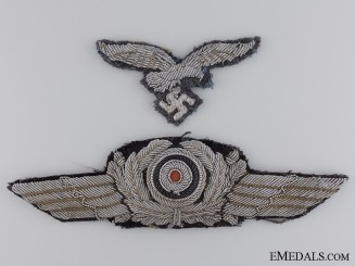A Luftwaffe Officer Visor Wreath and Eagle