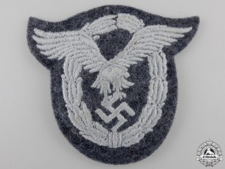 A Luftwaffe Pilot's Badge in Cloth; Padded Version