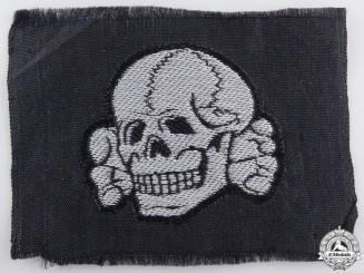 A Mint Waffen SS Schiffchentotenkopf