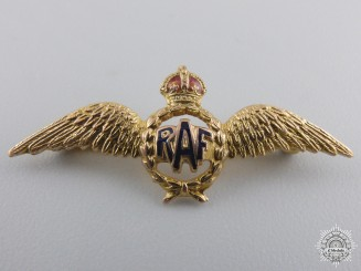 A Royal Air Force Sweetheart Badge in Gold by Deakin & Francis