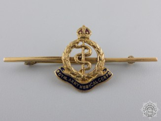 A Royal Army Medical Corps Sweetheart Badge in Gold