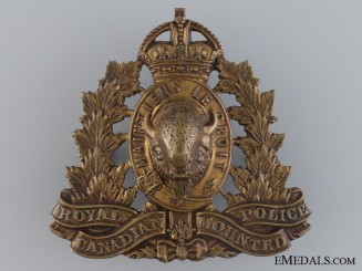 A Royal Canadian Mounted Police Cap Badge