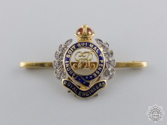 A Royal Engineers Sweetheart Badge in Gold & Diamonds