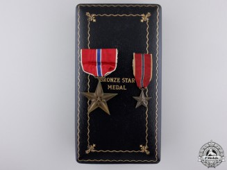 A Second War Bronze Star with Miniature & Case