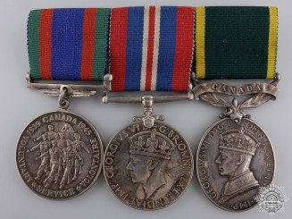 A Second War Canadian Efficiency Medal Bar