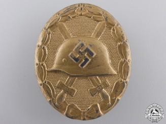 A Second War Wound badge; Gold Grade by Maker 30