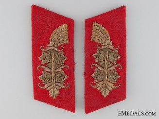 A Set of Matching Army Collar Tabs