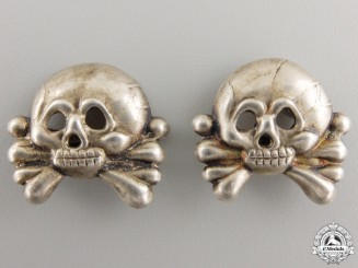 A Set of Panzer Collar Tab Skulls