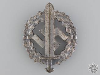 A Silver Grade SA Defence Badge