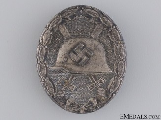 A WWII Wound Badge; Silver Grade by Hauptmünzamt