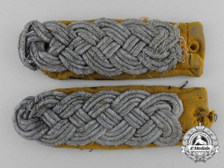 A Set of Uniform Removed Luftwaffe Major's Flight Shoulder Board Pair