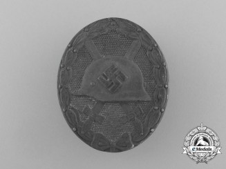 A Second War German Silver Grade Wound Badge by Klein & Quenzer