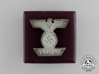 A Clasp to the Iron Cross 1939 Second Class; 2nd Type in its Original LDO Case of Issue