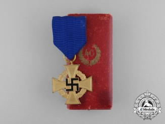 A Cased German 40-Year Faithful Service Cross; First Class by Deschler & Sohn