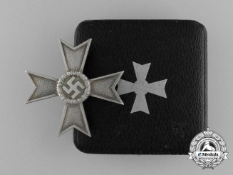 A Mint War Merit Cross First Class by Deschler & Sohn in its Case of Issue