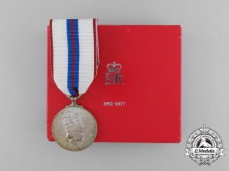 Canada. A Queen Elizabeth II's Silver Jubilee Medal 1952-1977