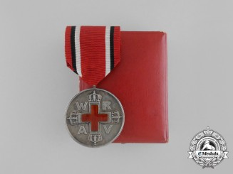 A First War Prussian Red Cross Medal, 2nd Class in Silver with Case