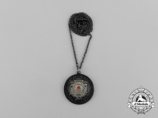 A 1914 German Patriotic Women of the Red Cross (VFW) Membership Medal