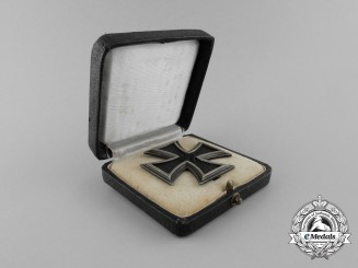 An Iron Cross 1939 First  Class by Fritz Zimmermann in its Original Case