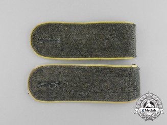 A Pair of Wehrmacht Signals Enlisted Man's Shoulder Boards