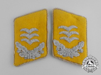 A Set of Luftwaffe Flight Hauptmann Collar Tabs
