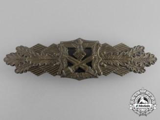 A Bronze Grade Close Combat Clasp by Arbeitsgemeinschaft Metal und Kunstoff of Gablonz
