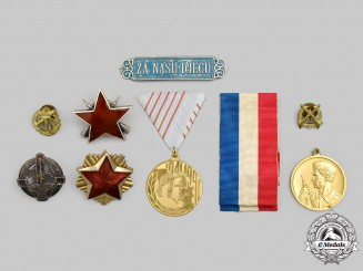Yugoslavia, Socialist Federal Republic; Croatia, Independent State. A Lot of Eight Awards