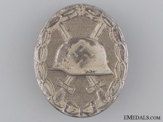 An Early Silver Grade Wound Badge