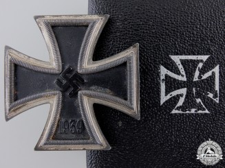 An Iron Cross First Class 1939; Maker 6