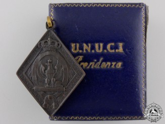 An Italian National Union Official on Leave of Italy Presidency Medal