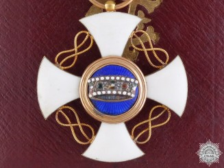 An Italian Order of the Crown with Case of Issue; Fifth Class