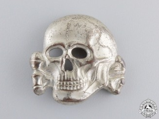 An SS Visor Skulls Marked RZM 499/41 by Zimmerman