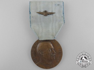 An Italian Air Force Long Service Medal; Bronze Grade for Ten Years' Service