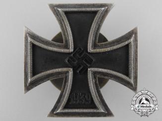 An Iron Cross 1st 1939, Screw Back Version, L/54 (Schauerte & Hohfeld)
