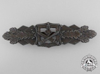 A Bronze Grade Army Close Combat Clasp by C.E.Juncker