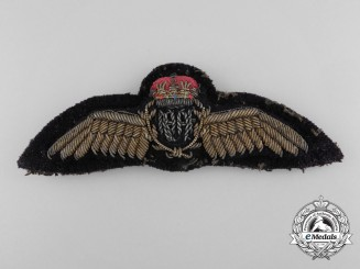 A Fine Royal Australian Air Force (RAAF) Pilot's Dress Bullion Wings