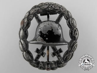 A First War Black Grade Wound Badge; Cut-out Version