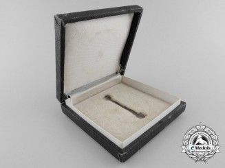 A Second War Period German Wound Badge Case