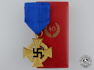 A German Faithful Service Decoration; 1st Class for Forty Years' Service with Case