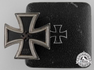 An Iron Cross First Class 1939 by Fritz Zimmermann with Case