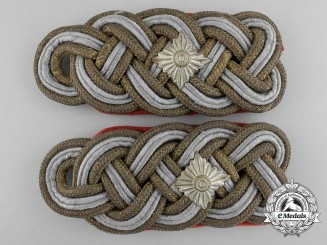 A Pair of German Army (Heer) Generalleutnant Shoulder Boards