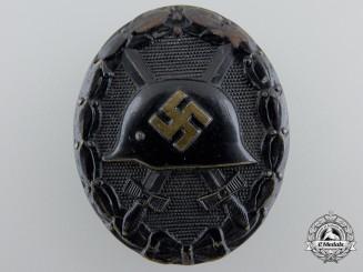 A Black Grade Wound Badge