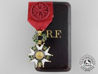 A First War French Legion D'Honneur in Gold; Officers Badge