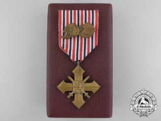A Czechoslovakian War Cross 1939-1945 with Case
