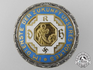 A German State Midwife Association Golden Badge of Honour