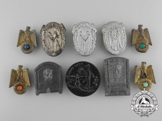 A Lot of 10 Second War Period German Badges