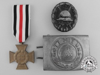 A Lott of Three German First War Awards and Insiginia