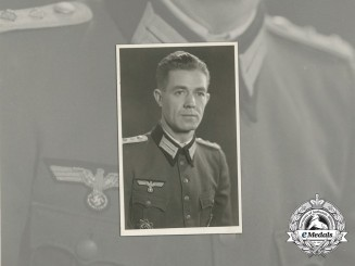 A Wartime Photo of Wehrmacht Officer & DKG Recipient